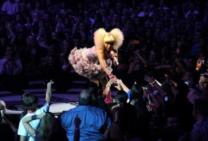 "Nicki Minaj Performing ""Y.U.Mad"", ""Moment 4 Life"" & ""Super Bass"" at iHeartRadio Music Festival"