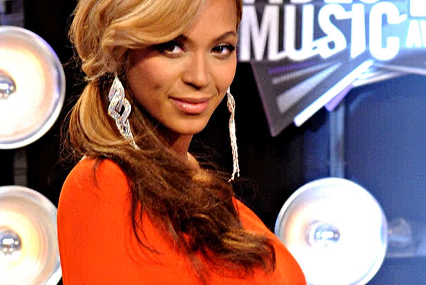 beyonce-fans-around-the-world-wishes-a-happy-30th-Birthday-video.jpg