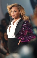 Beyonce Amp Jay Z Welcomes Blue Ivy Carter Beyonce Gives