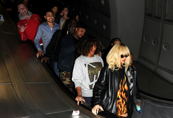 drake-rihanna-soulja-boy-romeo-spotted-out-march-2012 - Rihanna Drake Concert