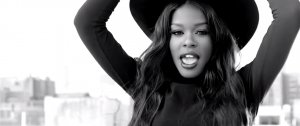 "Azealia Banks – ""Luxury"" Music Video"