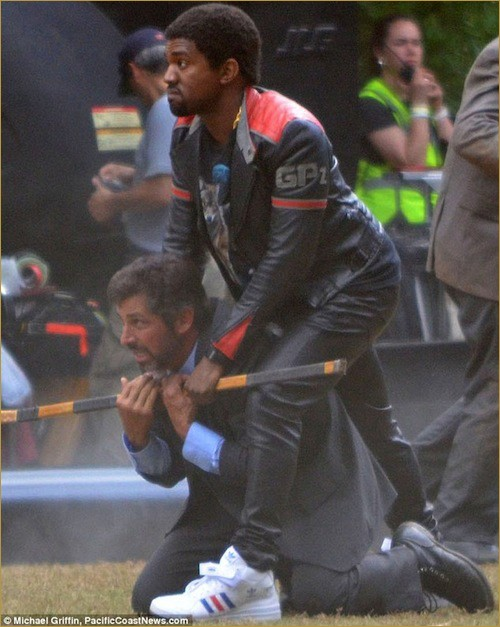 Quick Pics- Kanye West onset of Anchorman 2