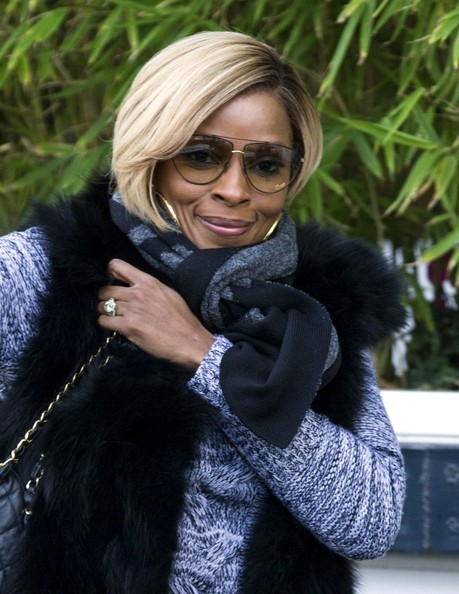 mary-j-blige-visits-itv-london-studios-in-blue-2