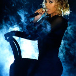 beyonce-jay-z-gets-drunk-in-love-at-grammys-2014-performances- beyonce 6