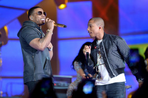 pharrell-takes-stage-with-nelly-snoop-dogg-diddy-busta-rhymes-at-nba-allstar-7
